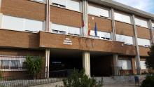 Edificio principal/secretaría.